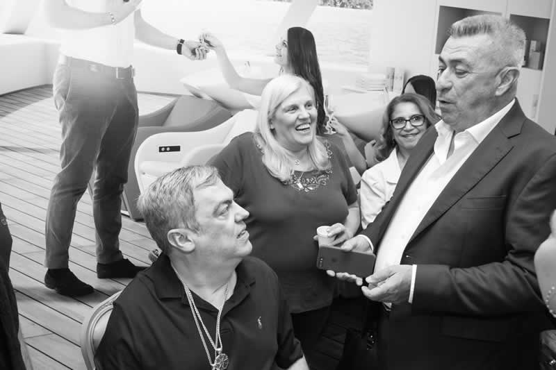 Marco Antônio de Biaggi visita o stand Maletti na Hair Brasil 2018
